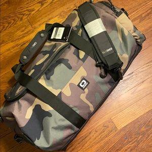 OGIO Alpha Core Duffle Bag NWT